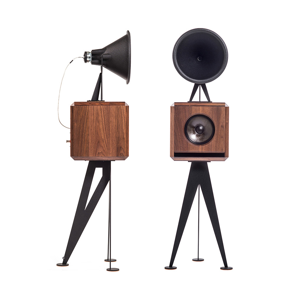 OMA Mini Loudspeaker in walnut black