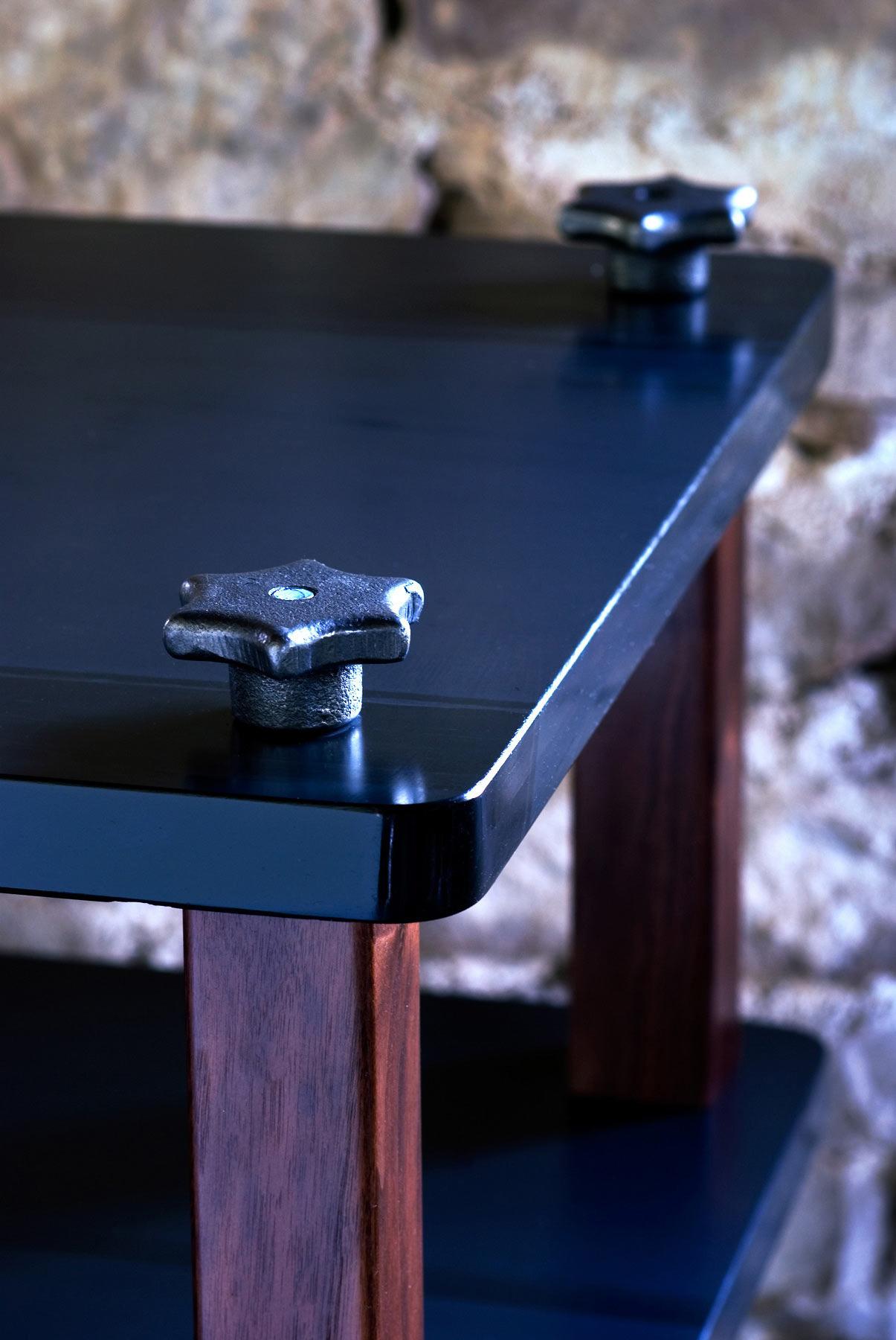 Cast iron lobed handles